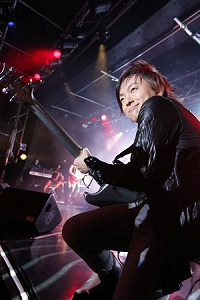 BLACK VELVET、6thワンマン・ライブを開催!!_e0025035_1084370.jpg