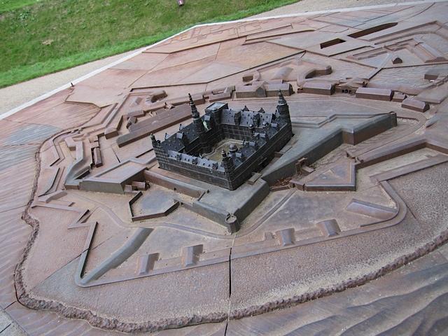男前の城、クロンボー_d0106242_2295037.jpg