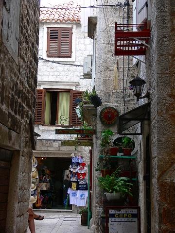 中欧家族旅行2012年08月-第五日目-クロアチア・トロギル散策_c0153302_15465390.jpg
