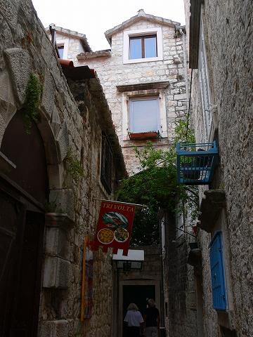 中欧家族旅行2012年08月-第五日目-クロアチア・トロギル散策_c0153302_1547361.jpg