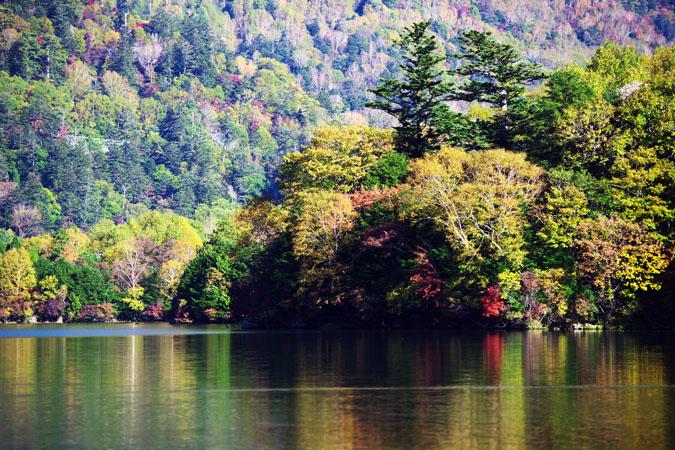 奥日光 湯ノ湖の紅葉1_a0263109_17583573.jpg