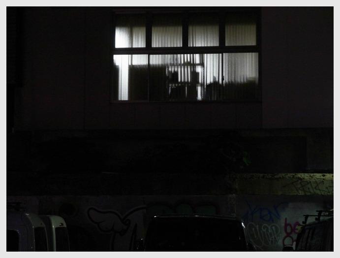 ■ 窓越しはあたたかいか_b0148920_1846467.jpg