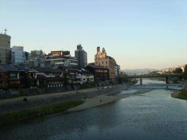京都精華大学でゲスト講演させていただきました。_f0232060_1844887.jpg