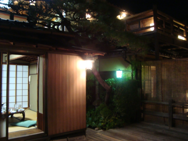 京都・木屋町「水炊き鶏料理 新三浦」へ行く。_f0232060_191231100.jpg