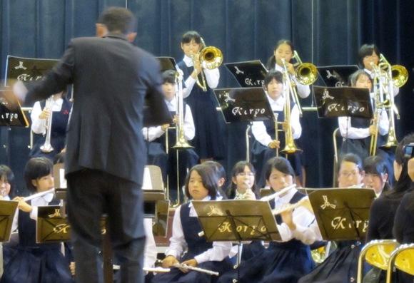 中学校コンサート♪♪♪_c0009275_22215032.jpg