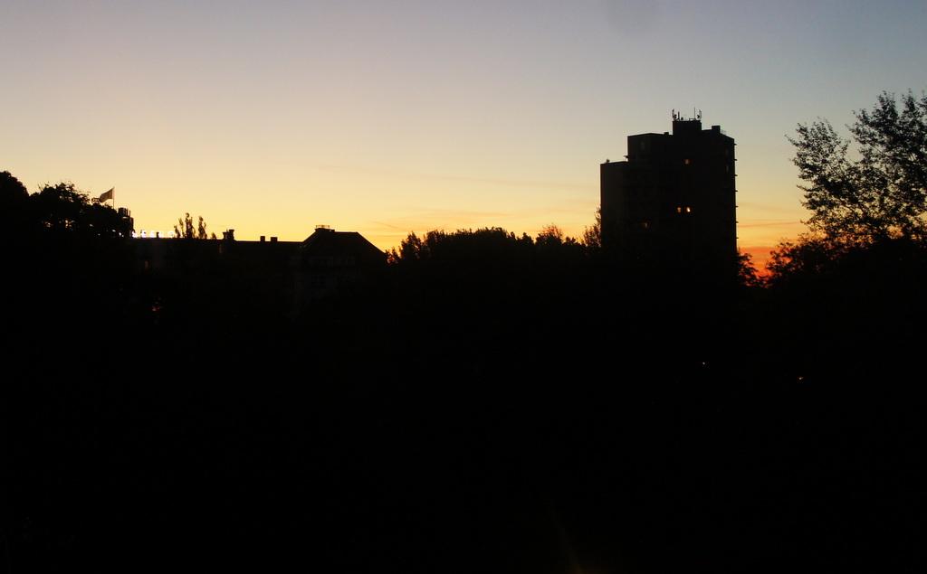 週末、黄金色に輝くベルリンです!_c0180686_17154924.jpg