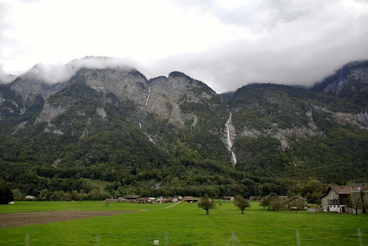 スイス紀行1:サンモリッツへ_a0148206_97694.jpg
