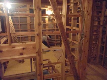 階段で軽快に_a0148909_2052325.jpg