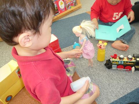 お人形さんと仲良し❤_b0228113_15495752.jpg
