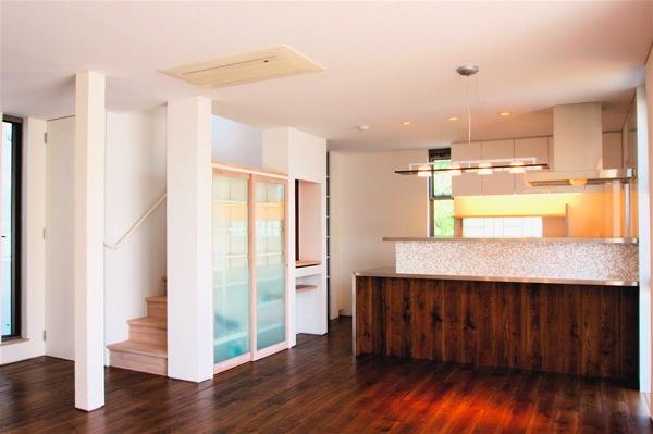 「鶴ヶ島の家」彩りのあるキッチン_f0230666_13282568.jpg