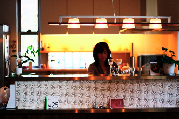 「鶴ヶ島の家」彩りのあるキッチン_f0230666_134130100.jpg