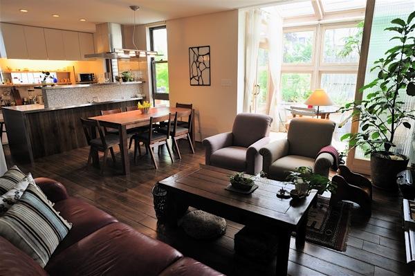 「鶴ヶ島の家」彩りのあるキッチン_f0230666_1343683.jpg