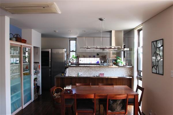 「鶴ヶ島の家」彩りのあるキッチン_f0230666_1442480.jpg