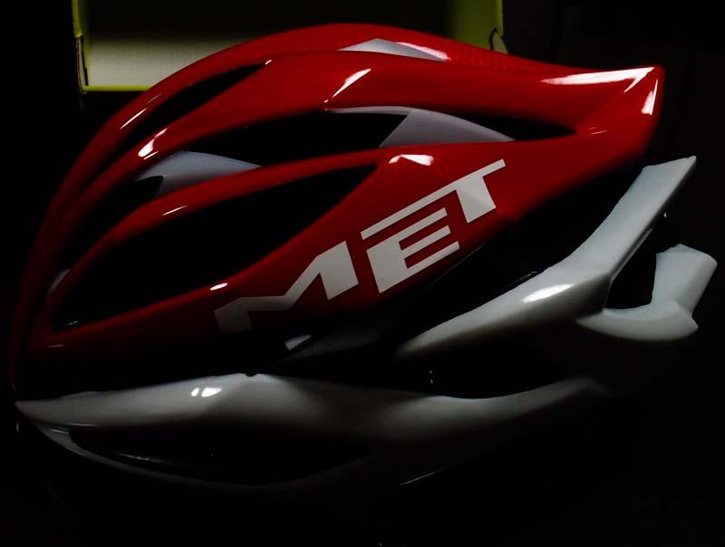赤いヘルメット_d0127876_2046446.jpg