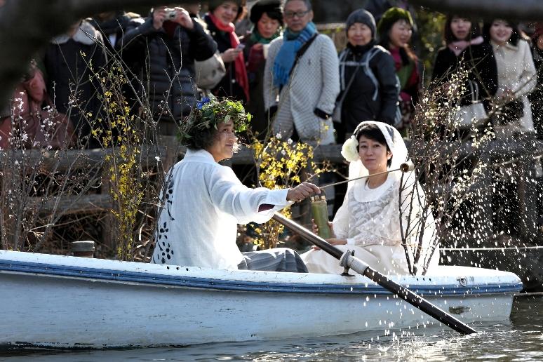 朝日新聞社武蔵野支局の記者さんが井の頭公園での2月12日の結婚式&宴について取材@ペパカフェフォレスト_f0006713_21445945.jpg