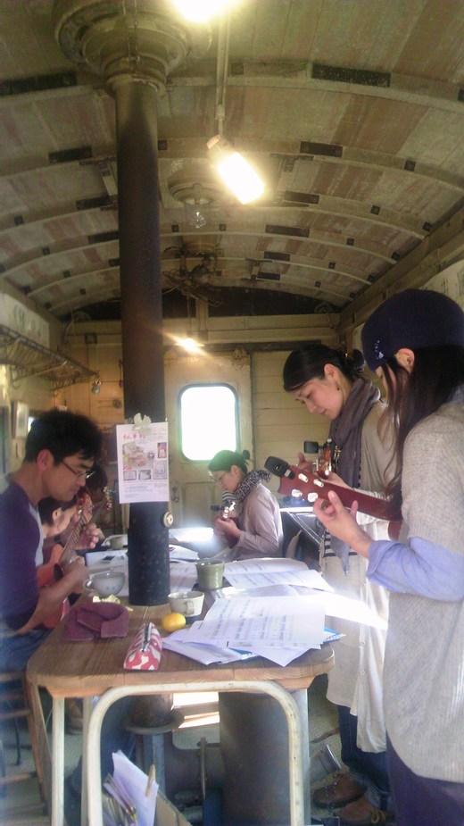 昨日は、臨時貸切列車カサマハロ号が走りました!_a0213316_1712453.jpg
