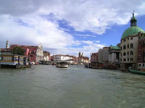 ヴェネツィアへ_b0282654_23435129.jpg