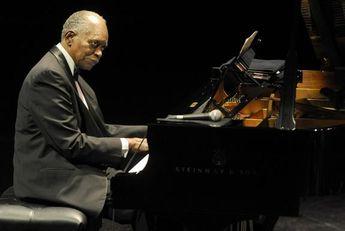 もしもピアノが弾けたなら(2)   ~ ご長寿ピアニスト (1) ~_b0102572_17432784.jpg
