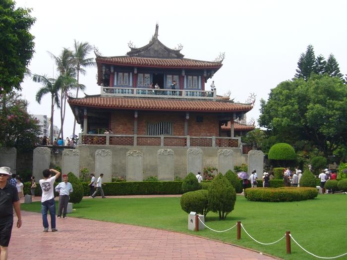 台湾旅行2012・その4(台湾新幹線、台南)_f0124235_21383693.jpg