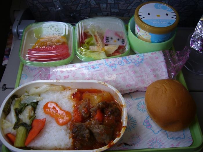 台湾旅行2012・その5(故宮博物館、エバー航空のキティちゃん祭り)_f0124235_21521462.jpg