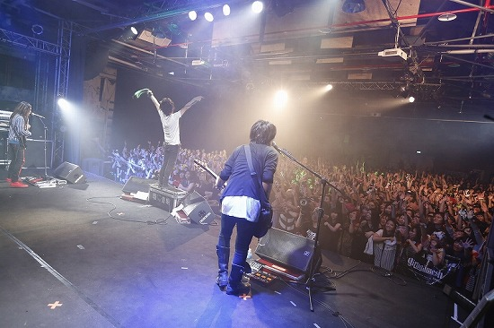 MUCC・Alice Nine・ギルガメ出演【JROCK EVOLUTION 2012】の台北公演レポート_e0197970_039315.jpg