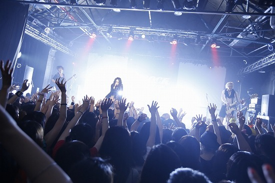 MUCC・Alice Nine・ギルガメ出演【JROCK EVOLUTION 2012】の台北公演レポート_e0197970_040371.jpg