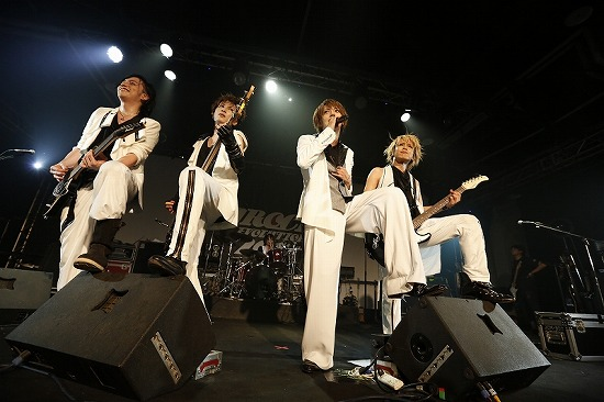 MUCC・Alice Nine・ギルガメ出演【JROCK EVOLUTION 2012】の台北公演レポート_e0197970_0404434.jpg