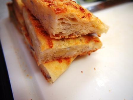 ジャガイモとレンコンとチーズのパン_e0167593_1411652.jpg