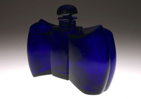"Baccarat ""Coque d`Or\"" for GUERLAIN 香水瓶_c0108595_23304830.jpg"