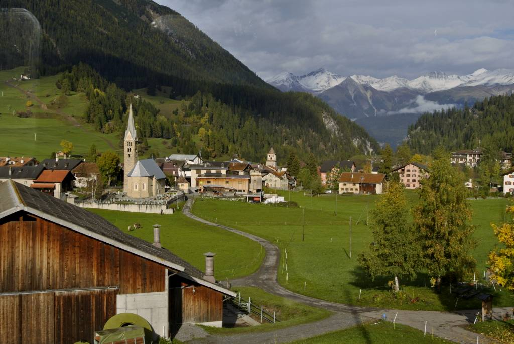 スイス紀行3:鉄道が世界遺産に_a0148206_17334062.jpg