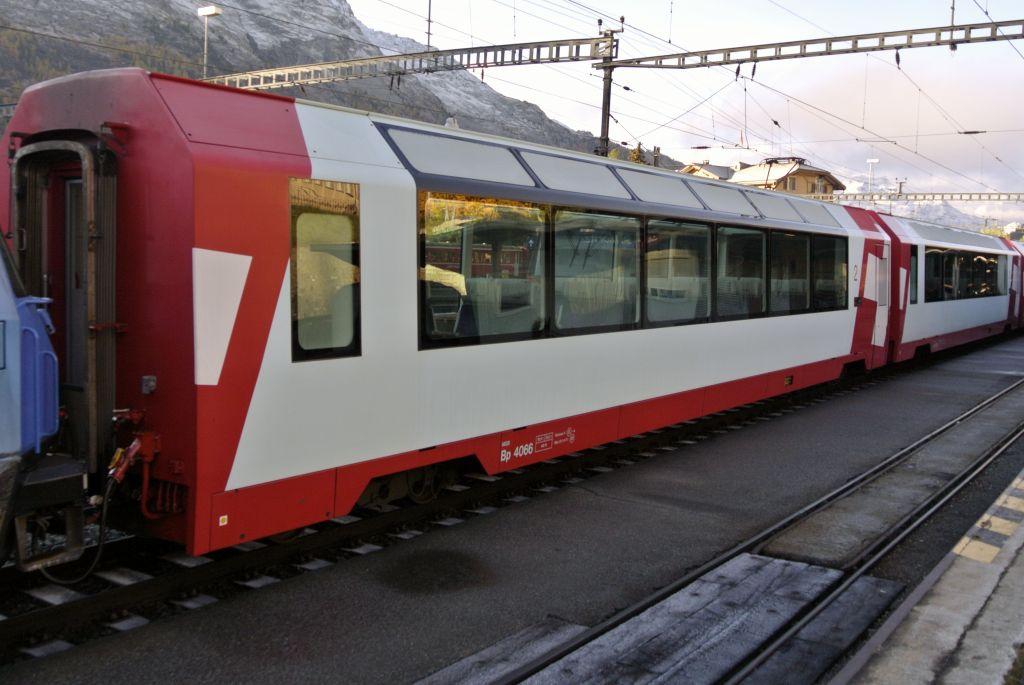 スイス紀行3:鉄道が世界遺産に_a0148206_17355715.jpg