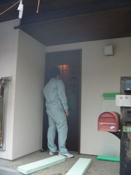 玄関建具の改修完了!_b0131012_17352269.jpg