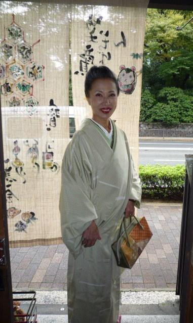 加藤ますえさん・色無地の着姿2パターン。_f0181251_17215115.jpg