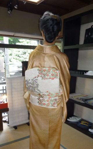 加藤ますえさん・色無地の着姿2パターン。_f0181251_176724.jpg