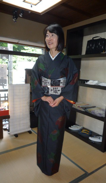 4周年・着付けの教室を始められたお客様の着姿。_f0181251_19311346.jpg