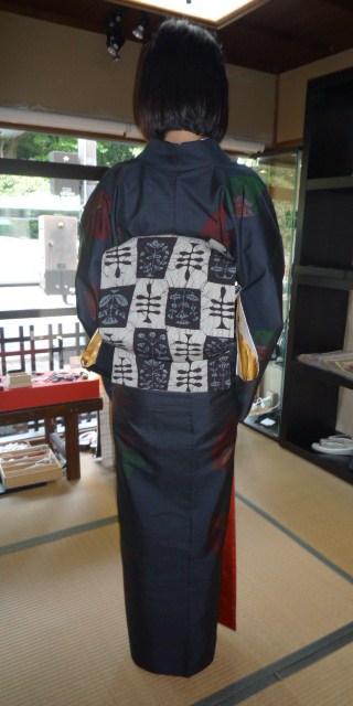 4周年・着付けの教室を始められたお客様の着姿。_f0181251_1935935.jpg