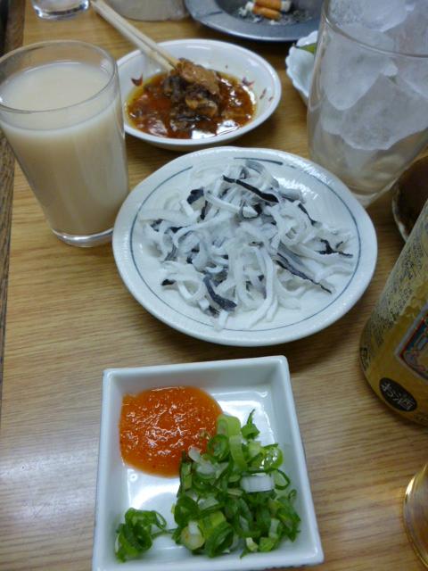 上田酒店「ふぐ皮湯引き」とウイスキー「ホワイト」_c0061686_7464279.jpg