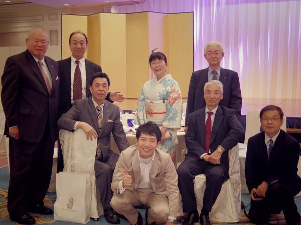 西端春枝さん、卒寿お祝いの会_f0017696_1593011.jpg