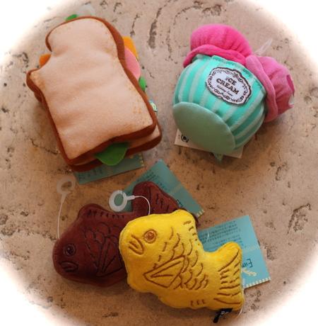 おもちゃ大量入荷!!_d0060413_1104333.jpg