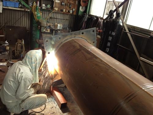 工場では鉄骨鉄骨鉄骨三昧..._b0152079_16222963.jpg