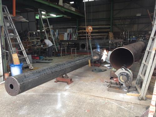 工場では鉄骨鉄骨鉄骨三昧..._b0152079_1627055.jpg