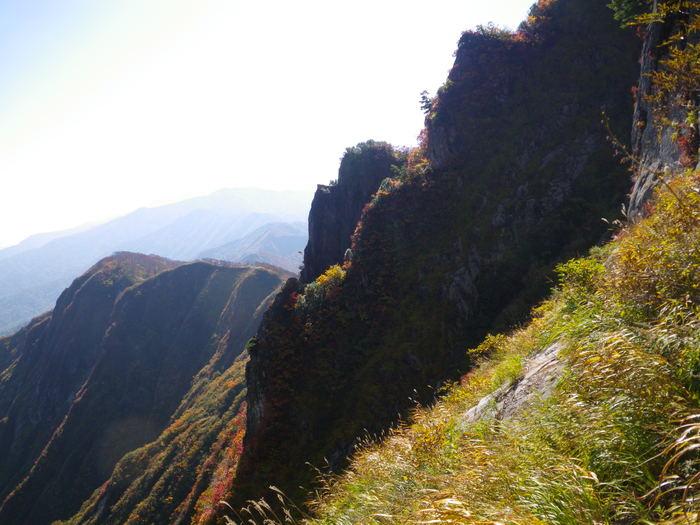 紅葉の朝日連峰祝瓶山コカクナラ沢 ~ 2012年10月22日_f0170180_3484378.jpg