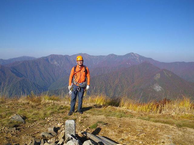 紅葉の朝日連峰祝瓶山コカクナラ沢 ~ 2012年10月22日_f0170180_4233447.jpg