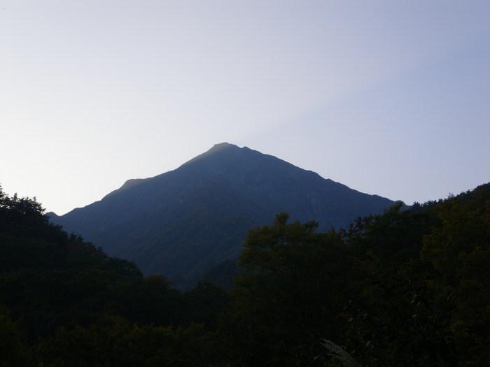 紅葉の朝日連峰祝瓶山コカクナラ沢 ~ 2012年10月22日_f0170180_4401697.jpg