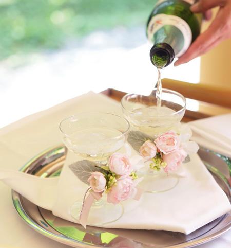 リボンブーケ*ころんとまるいバラの花で & シャンパングラスフラワー2 to 軽井沢ホテルブレストンコート様_a0115684_102215.jpg