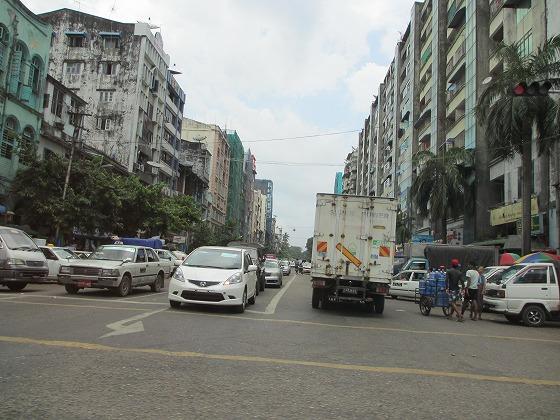 ミャンマー ヤンゴン 中古車 輸出 輸入 トミーモータース ランクル 3 二日目_b0127002_18123969.jpg
