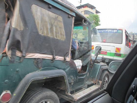 ミャンマー ヤンゴン 中古車 輸出 輸入 トミーモータース ランクル 3 二日目_b0127002_18572025.jpg