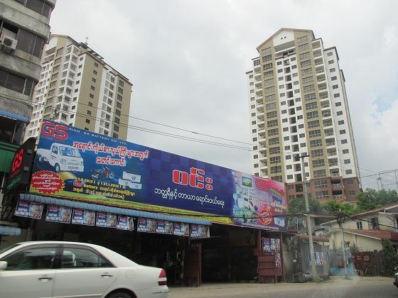ミャンマー ヤンゴン 中古車 輸出 輸入 トミーモータース ランクル 3 二日目_b0127002_1915045.jpg