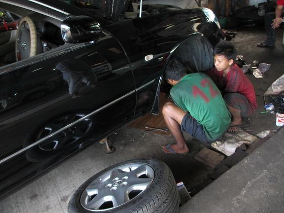 ミャンマー ヤンゴン 中古車 輸出 輸入 トミーモータース ランクル 3 二日目_b0127002_19243526.jpg