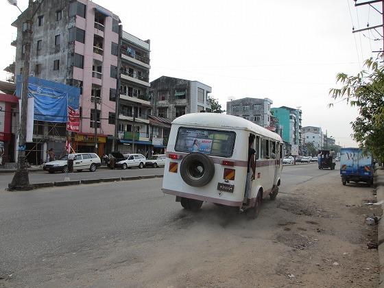 ミャンマー ヤンゴン 中古車 輸出 輸入 トミーモータース ランクル 3 二日目_b0127002_19343295.jpg